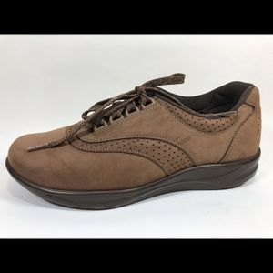 SAS Walk Easy Brown Oxfords Women's 8.5N Leather